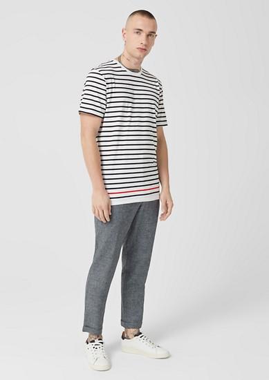 pruhované tričko s barevným akcentem