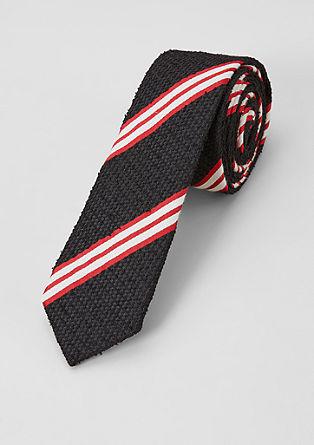 Proužkovaná kravata se strukturou