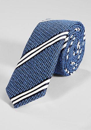 črtasta kravata s teksturo