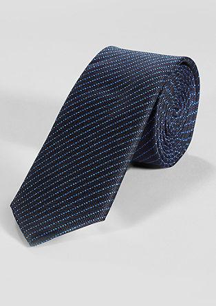 kravata s črtastim vzorcem
