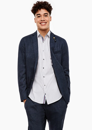 Slim: chemise rayée animée de jolis détails de s.Oliver