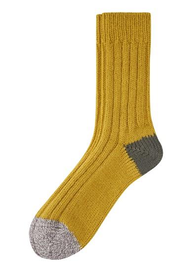 Gestrickte Socken aus Wollmix