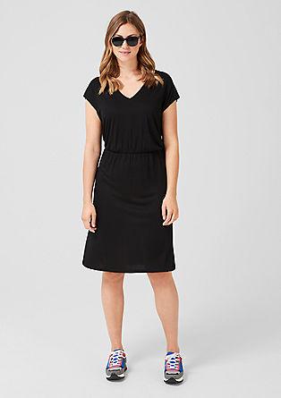 Obleka iz džersija z V-izrezom