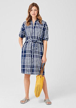 Kariertes Kleid aus Leinen