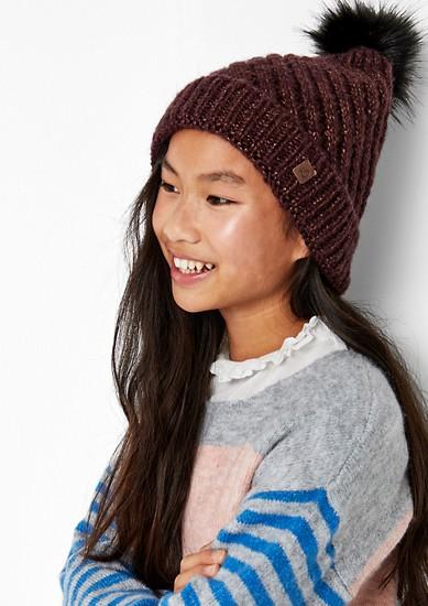 Pletená čepice sbambulí