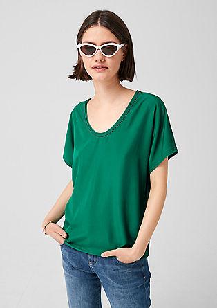 T-shirt van een materiaalmix