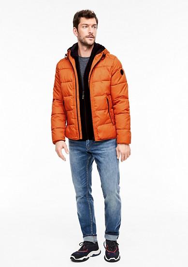 Gewatteerde jas met raatstructuur