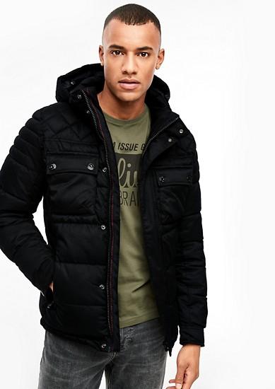 Gewatteerde jas met een visgraatstructuur