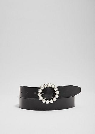 Kožený opasek s ozdobnými perlami