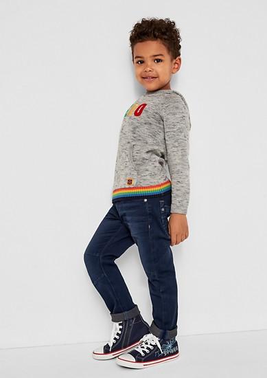 Joggstyle: jeans z rebrastim trakom