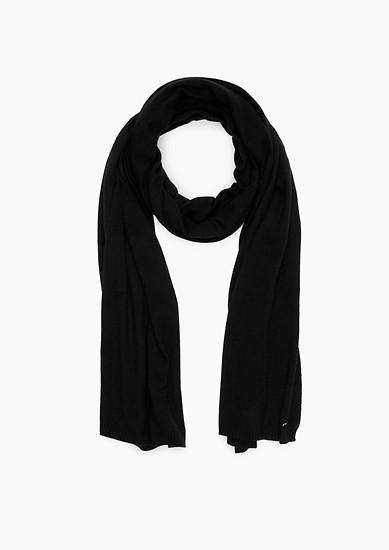 Langer Schal aus Feinstrick