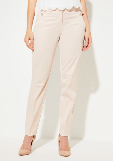 Regular Fit: trousers with a decorative button from comma