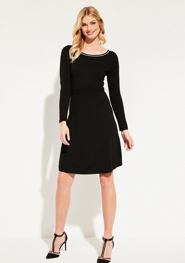 Fine knit dress with sophisticated details from comma