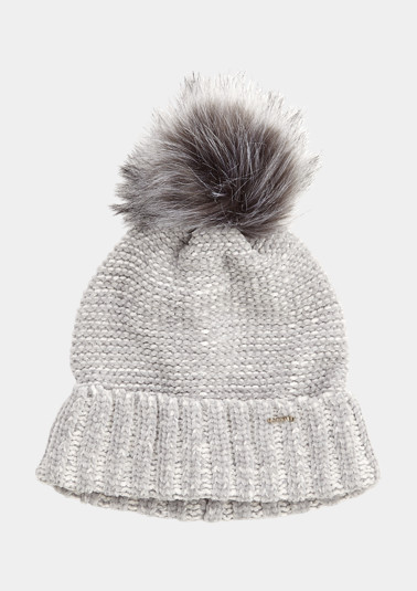 Knit pompom hat from comma