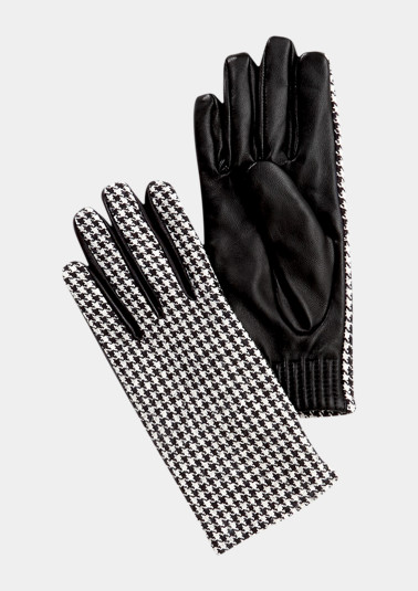 Leather gloves with a fabric trim from comma