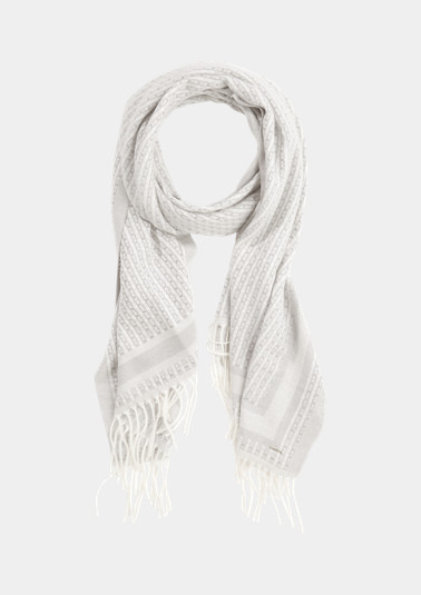 Patterned scarf with long fringing from comma