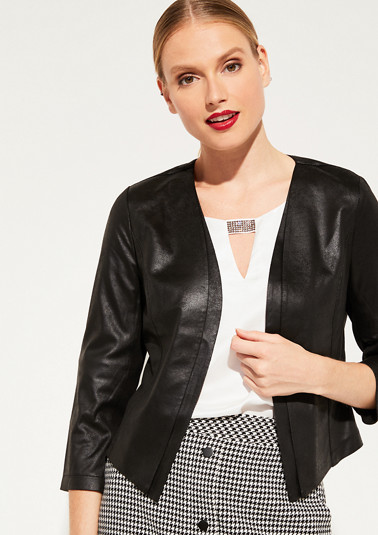 Short 3/4-length sleeve blazer made of faux leather from comma
