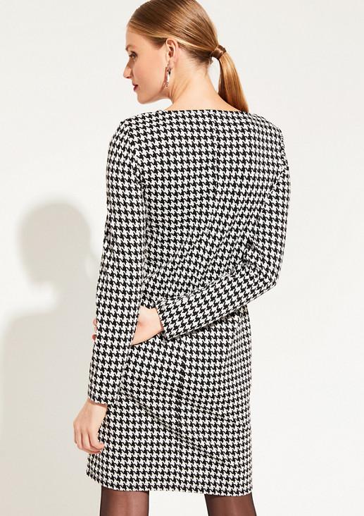 Kleid mit klassischem Hahnentrittmuster