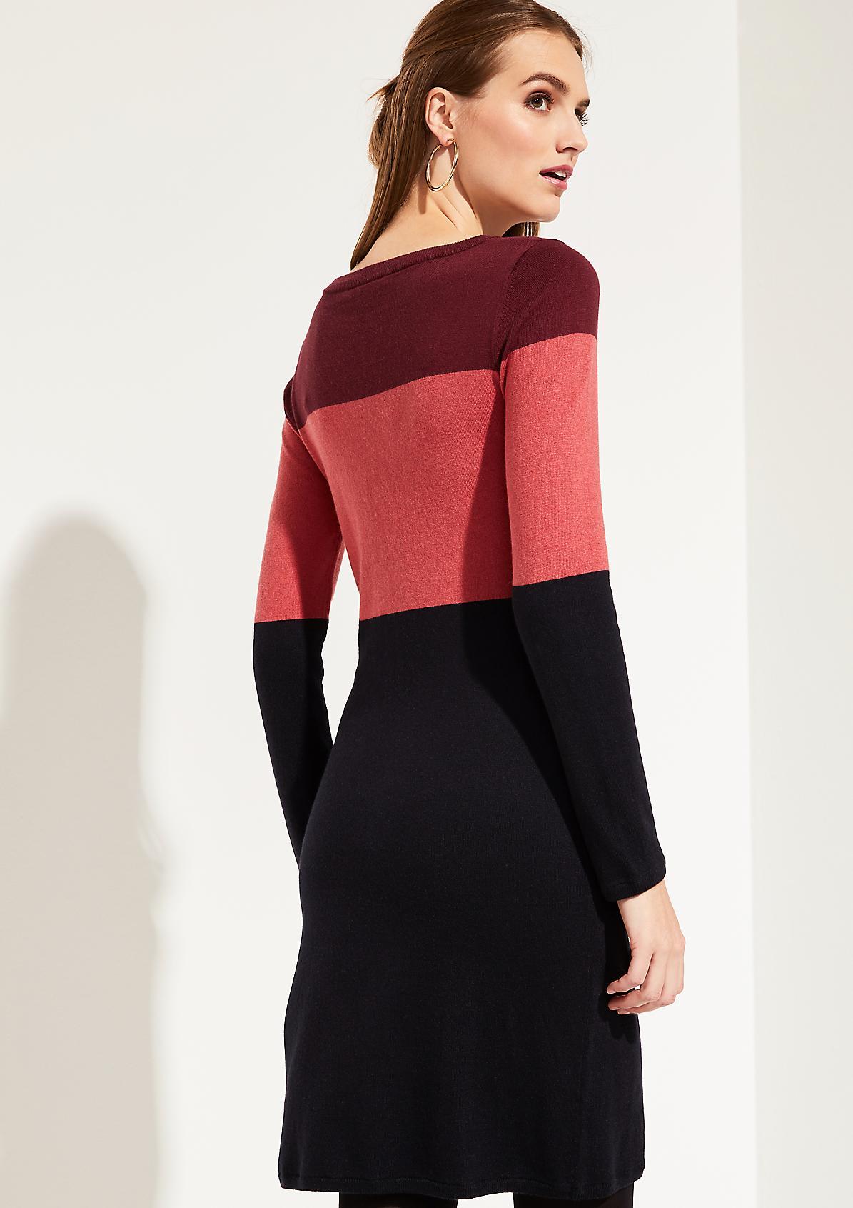 Feinstrickkleid mit Colourblock-Muster