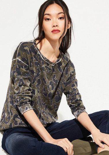 Fine knit jumper with an all-over camouflage pattern from comma