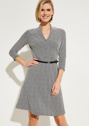 3/4-sleeve knit dress with a herringbone pattern from comma