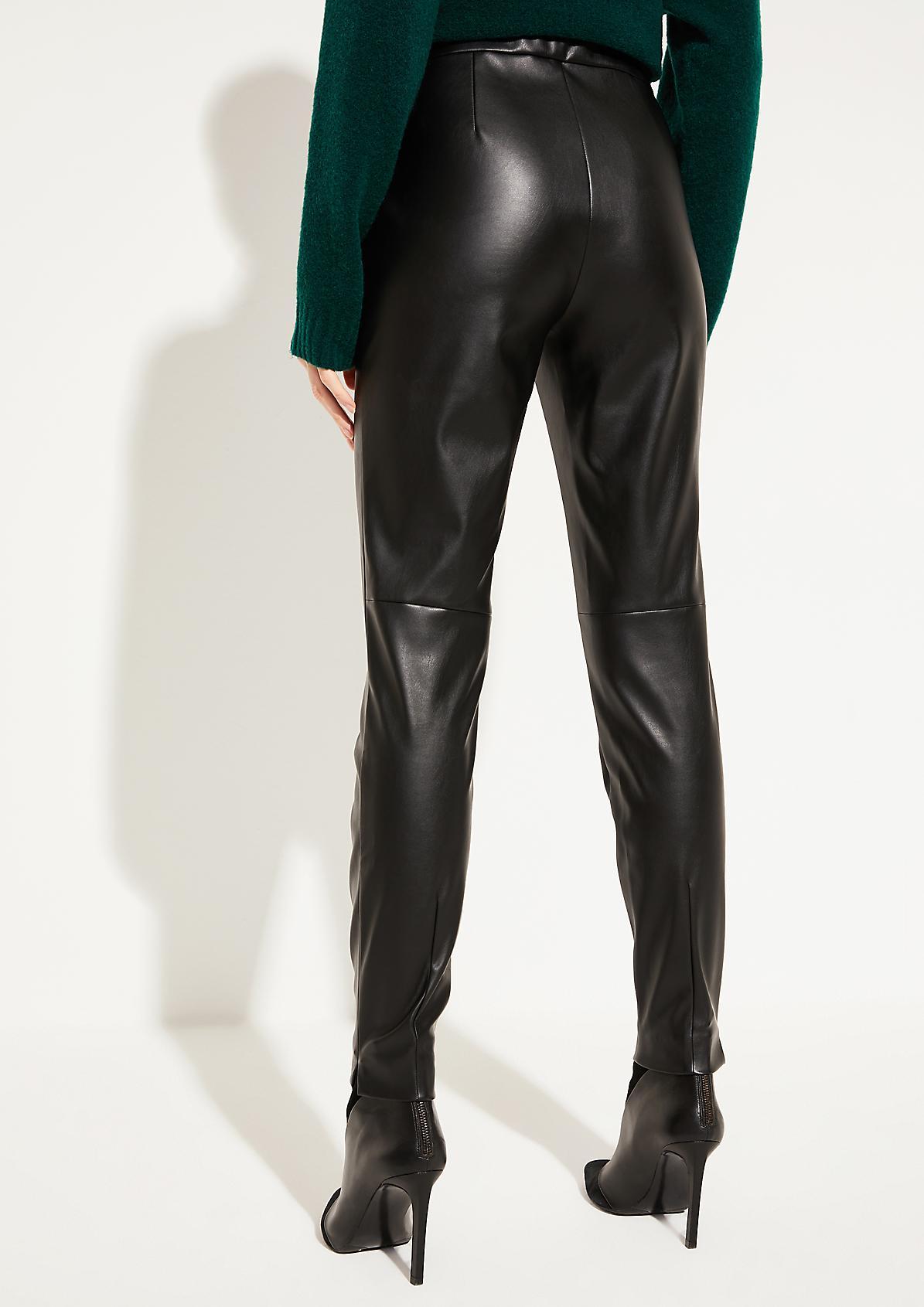Hose aus weichem Lederimitat