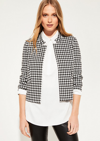 Short blazer with elaborate details from comma