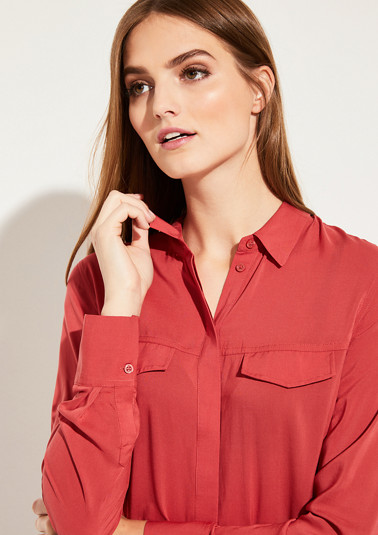 Poplin blouse with exciting details from comma