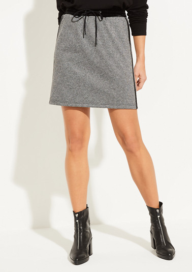Mini skirt with a houndstooth pattern from comma