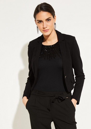 Short blazer with exciting details from comma