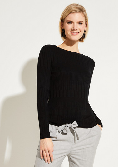 Fine knit long sleeve top with a ribbed pattern from comma