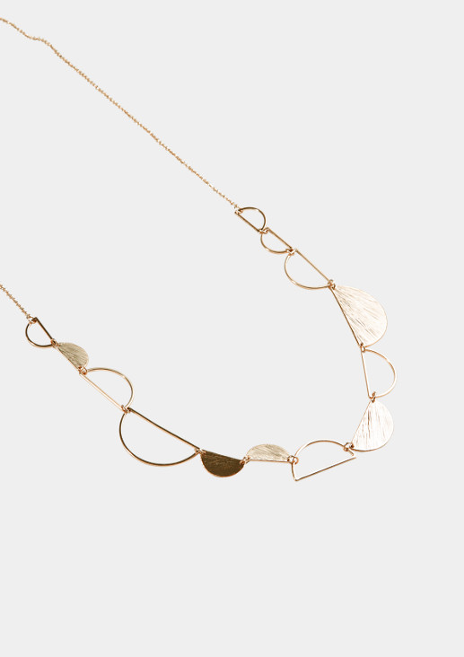 Long necklace with semi-circular pendants from comma
