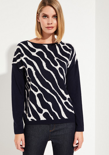 Fine jumper with decorative pattern from comma