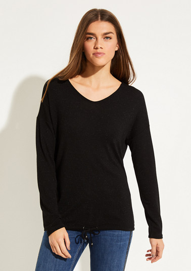 Fine knit top with interwoven glitter yarn from comma