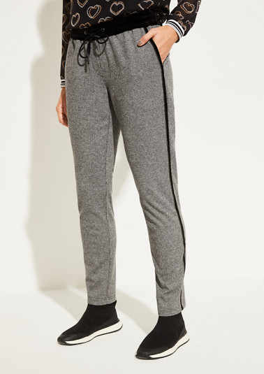 Lounge trousers with a classic houndstooth pattern from comma