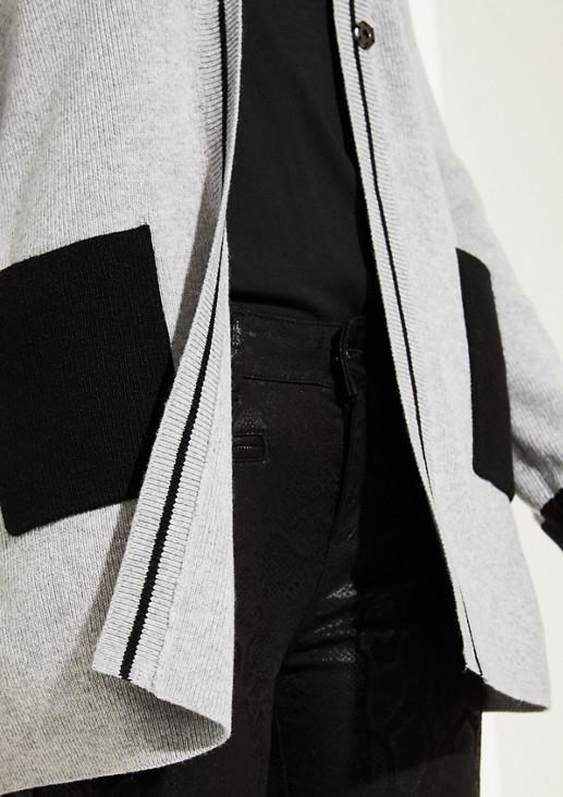Longstrickjacke mit aufgesetzten Taschen