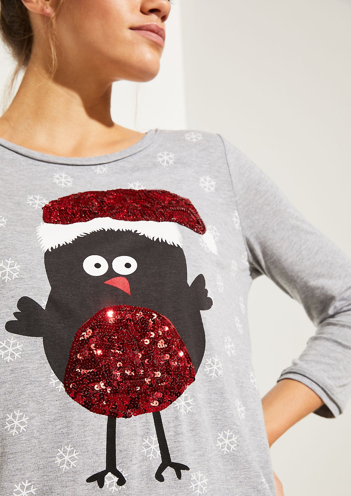 Jersey top with a sequin-embellished Christmas print from comma