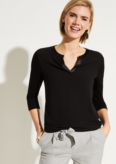 Top in a sophisticated mix of materials from comma