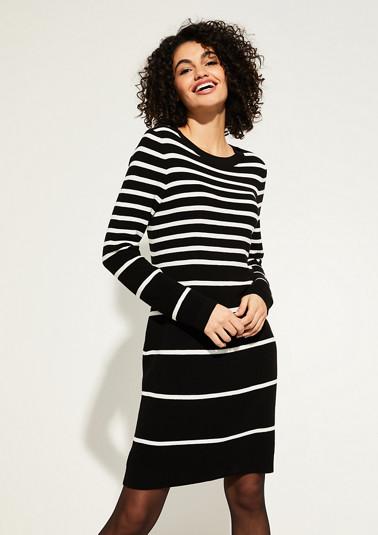 Kleid aus Strick