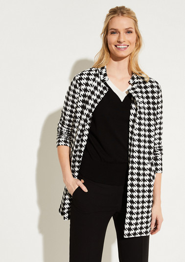 Coat with a houndstooth pattern from comma