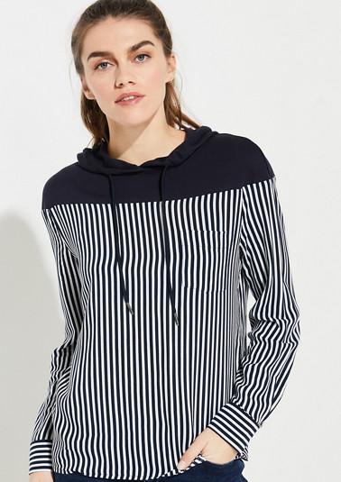Bluse mit Kapuze