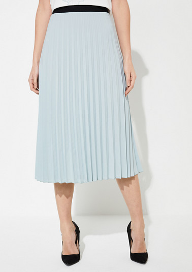 Skirt with an elastic waistband from comma