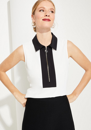 Blouse top with a contrasting collar from comma
