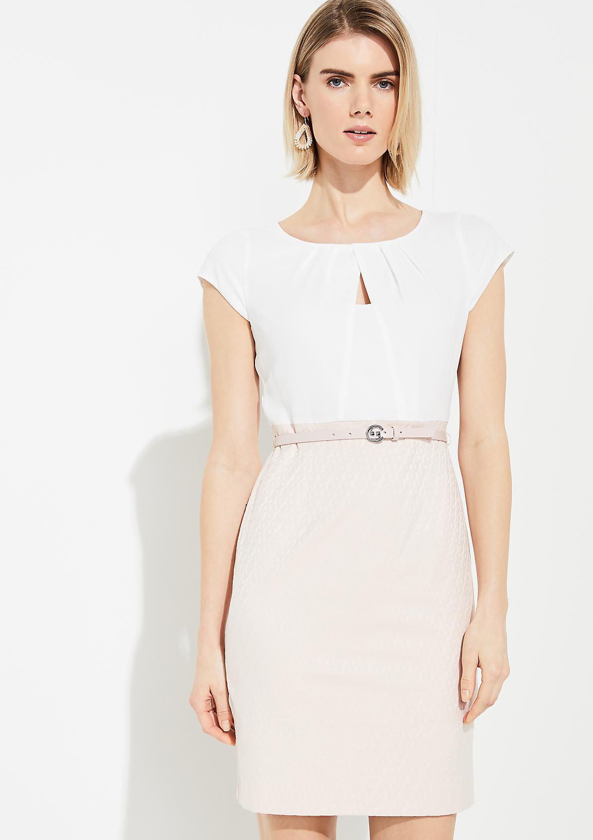 Kleid im Fabricmix