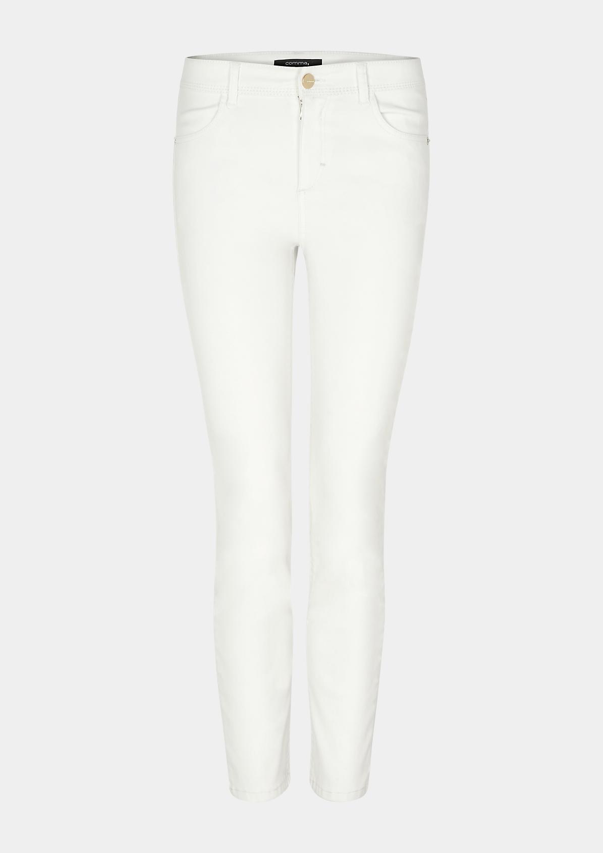Coloured-Jeans mit dekorativen Details