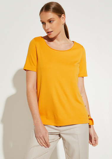Interlock top with metal buttons from comma