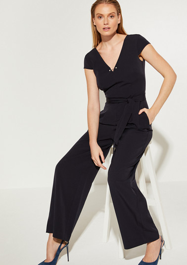 Jumpsuit with a decorative detail from comma
