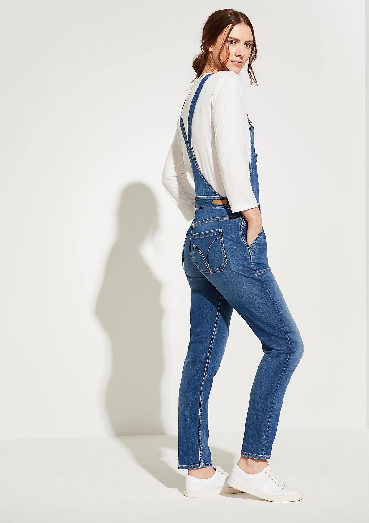 Latzhose aus Jeansstoff