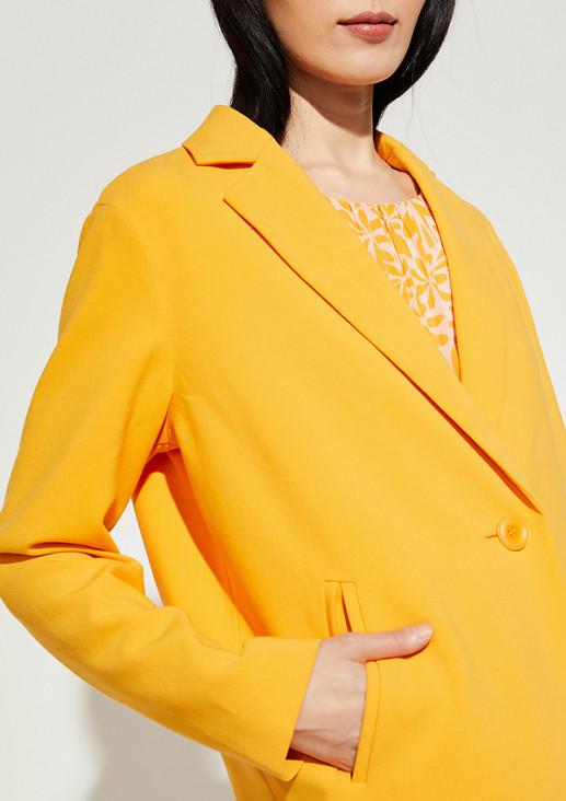 Mantel im klassischen Stil