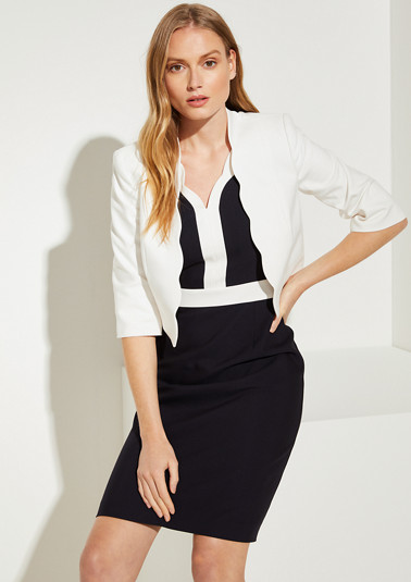 Short blazer with a scalloped hem from comma